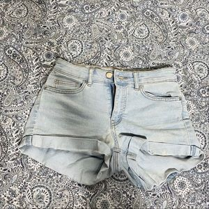 H&M shorts jean 2 womens euc light blue